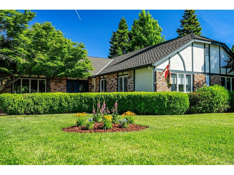 Beautiful home on a 1/3 acre lot in desirable Shasta Estates!