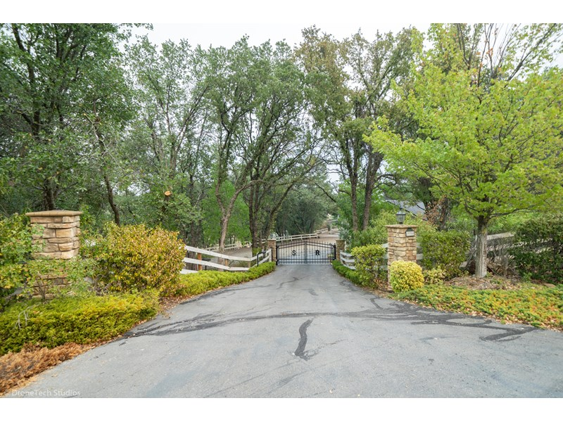 19300 Country Hills Dr-1