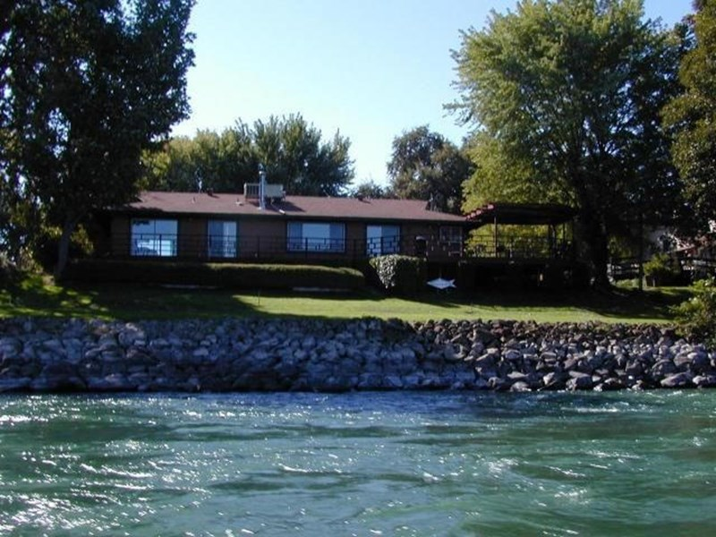 View from the Sacramento river