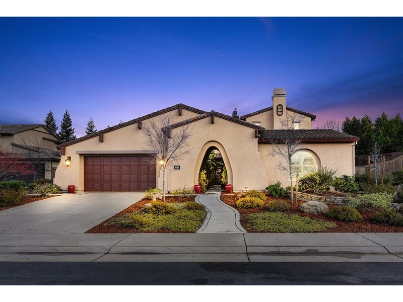 """Sought after neighborhood of custom caliber homes in Rocklin's most desirable Whitney Ranch community walking trails &amp parks, California's Top Rated Elementary School """"Sunset Ranch"""" and Whitney High School. Audubon Garden, Multipurpose lighted Sports fields, play area with super play structure, and squirt park. The private clubhouse pool &amp amenities for Whitney Ranch residents are amazing!"""