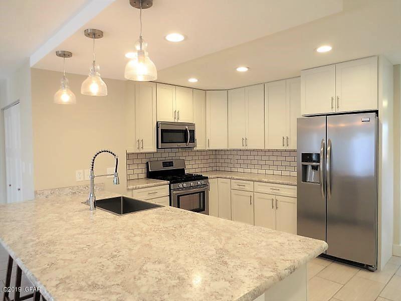 137 Riverview A Kitchen